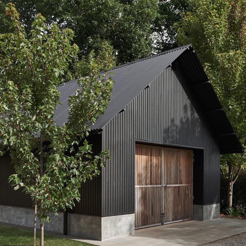 trentham-barn-front