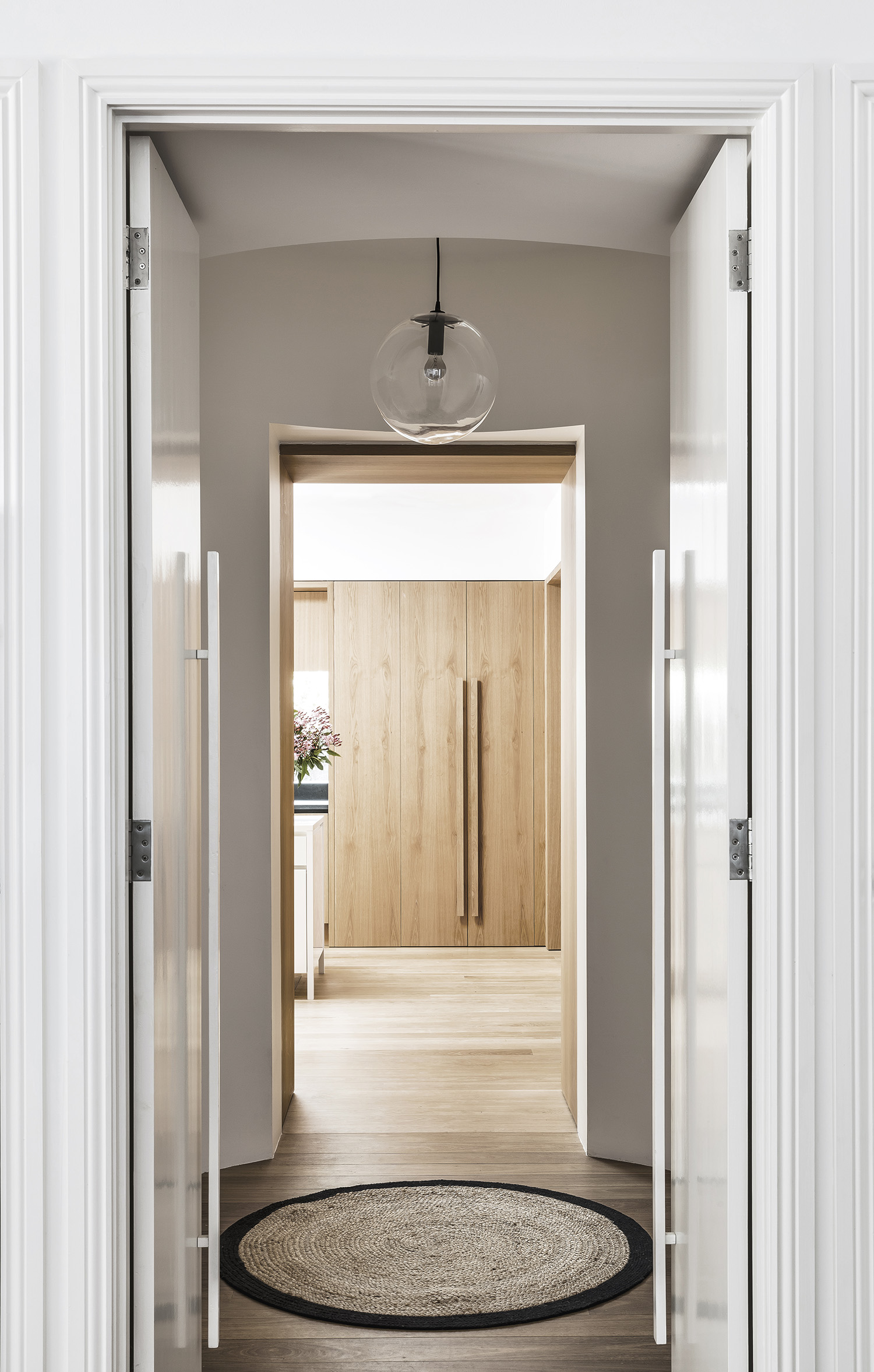 Bellevue-Hill-House-II-Australian-Hallway-Timber-Detailing-Madeleine-Blanchfield-Architects-Interior-Archive