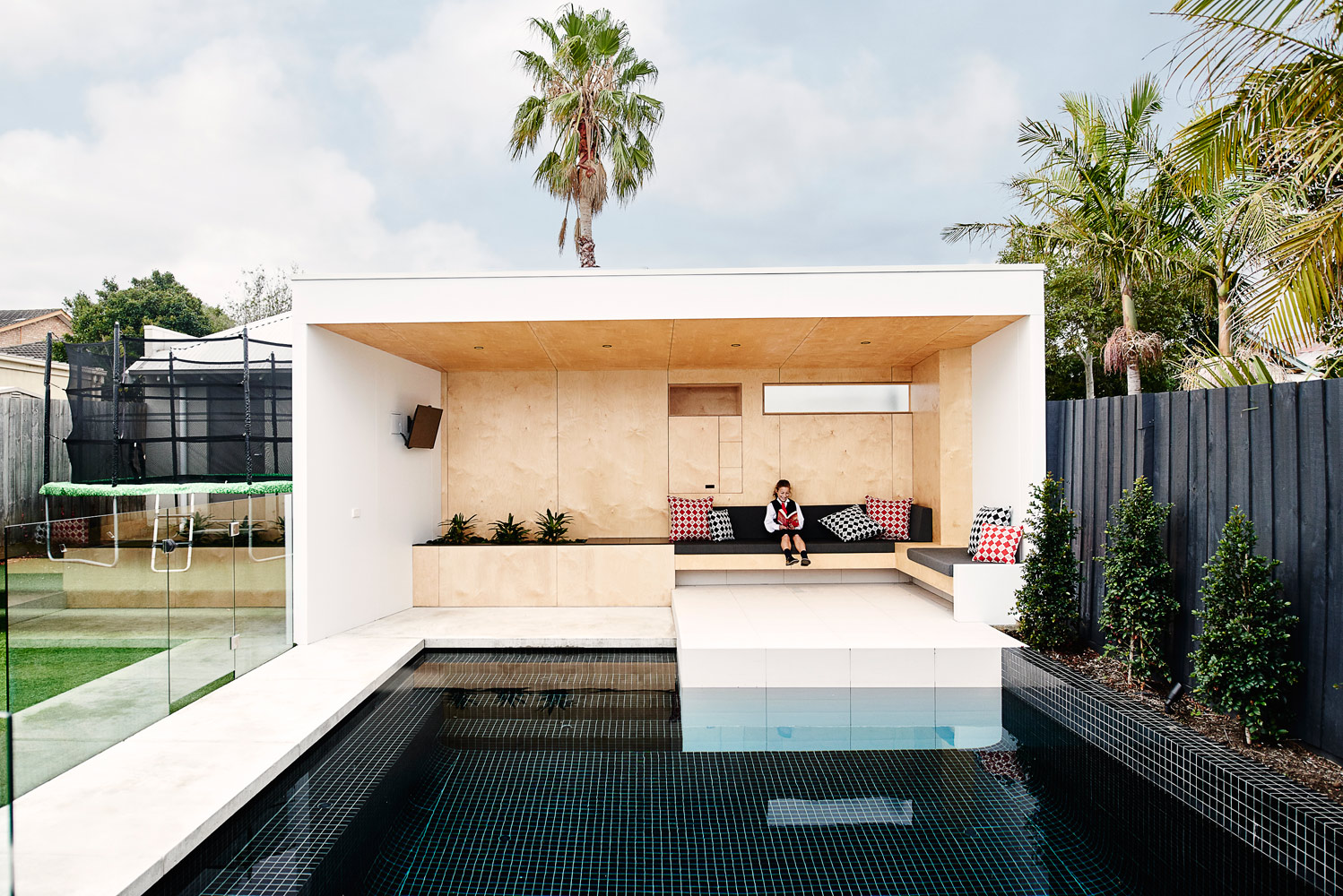 Brighton Bunker - Local Exterior Timber Seating - Dan Gayfer Design - Architecture Archive