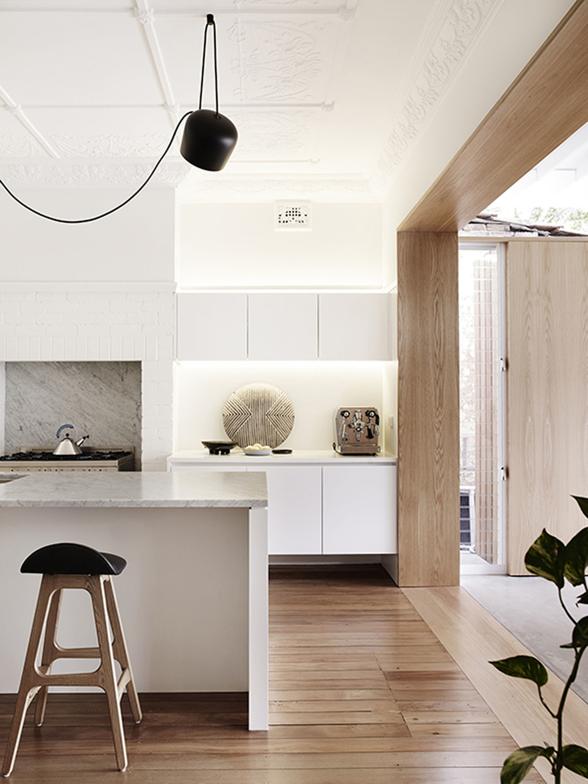 Coogee House - Australian Kitchen Design Timber Detailing - Madeleine Blanchfield Architects - Interior Archive