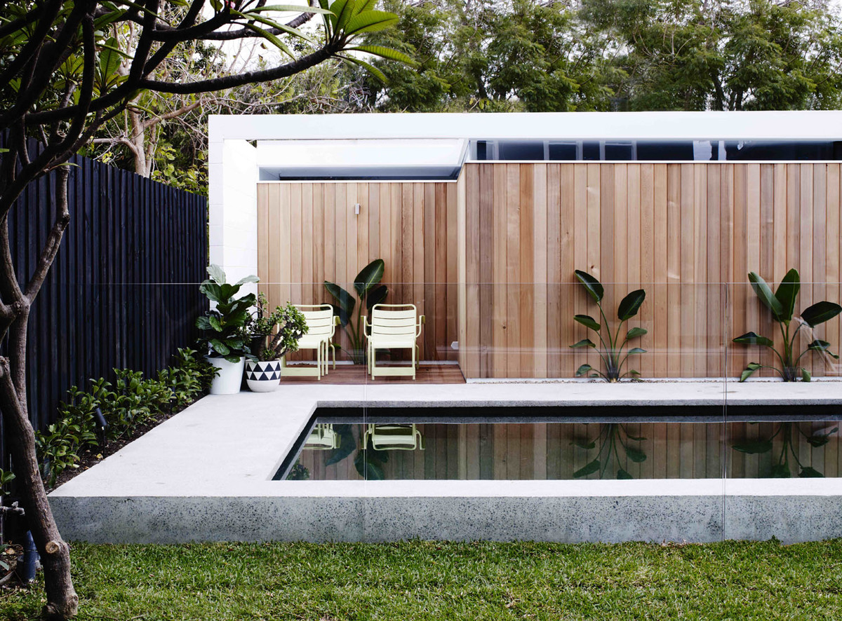 Coogee House - Local Exerior Pool Plants - Madeleine Blanchfield Architects - Interior Archive