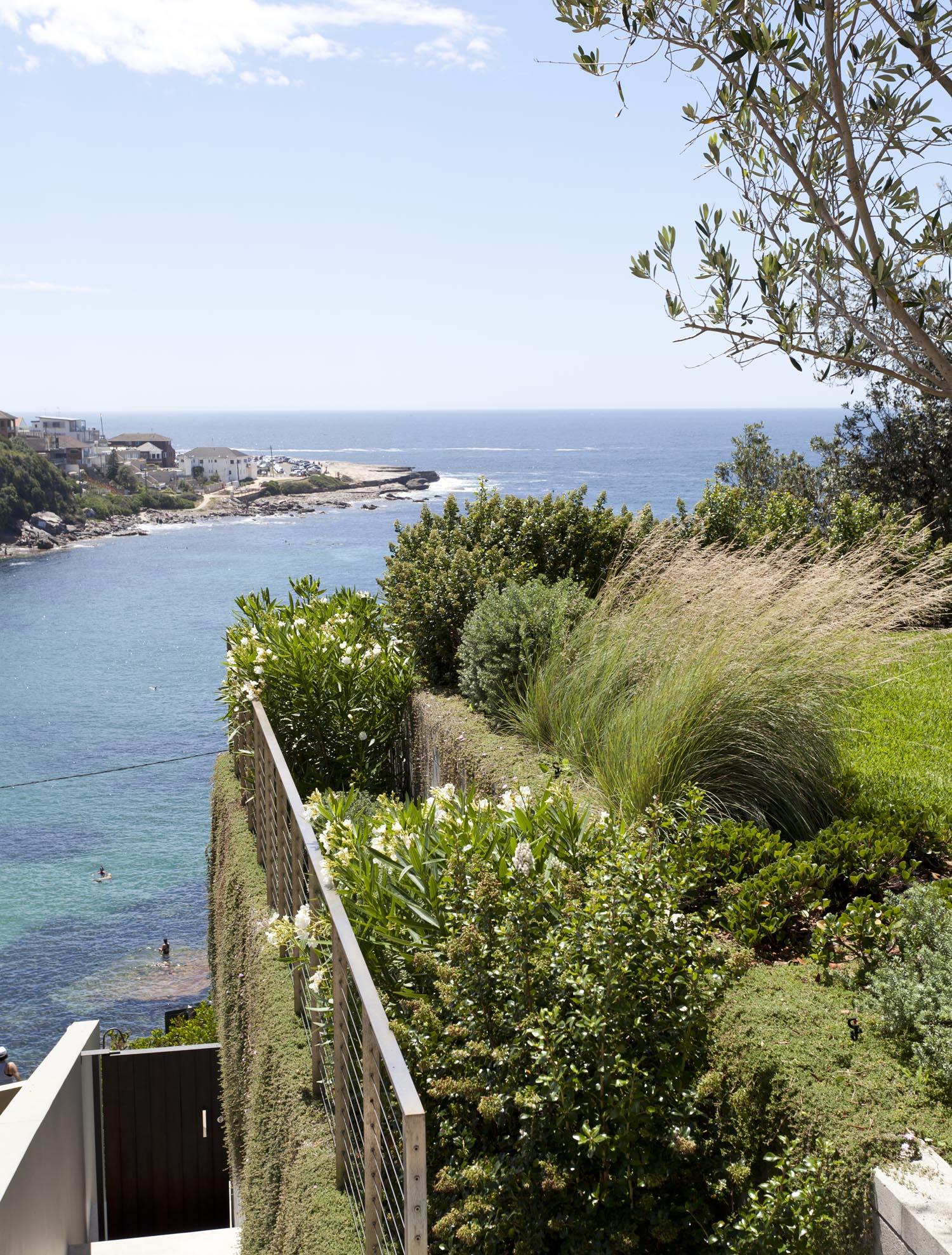 Gordon's Bay House - Australian Exterior View Garden - Madeleine Blanchfield Architects - Architecture Archive
