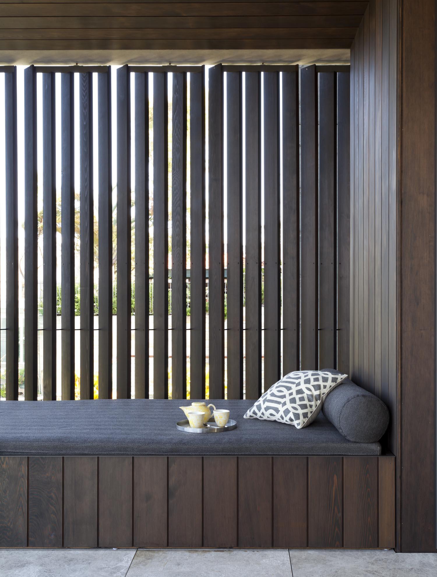 Gordon's Bay House - Australian Sun Lounge - Madeleine Blanchfield Architects - Architecture Archive
