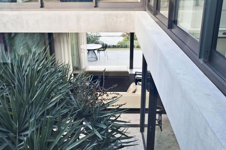 Gordons-Bay-House-Local-Interior-Garden-Madeleine-Blanchfield-Architects-Architecture-Archive