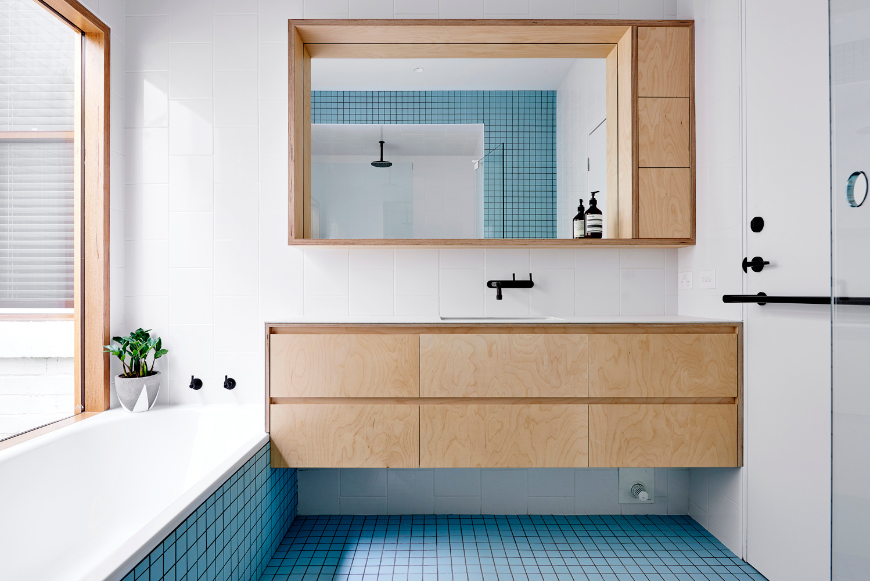 High House - Australian Timber Bathroom - Dan Gayfer Design - Interior Archive