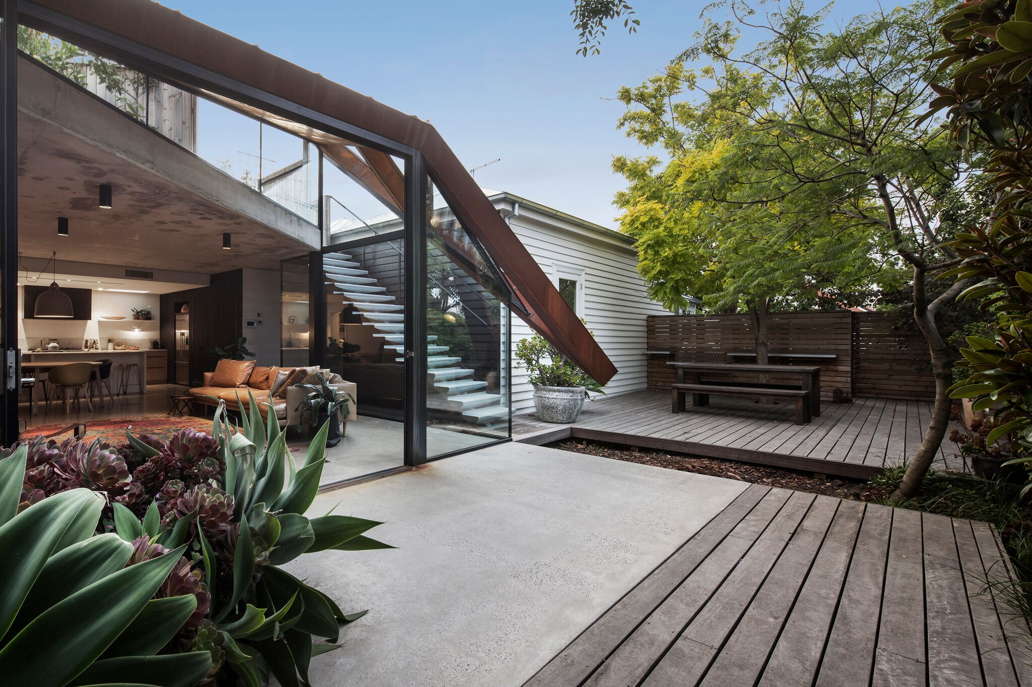 Decking - Nature - Australian Architecture - Built by Duo Built