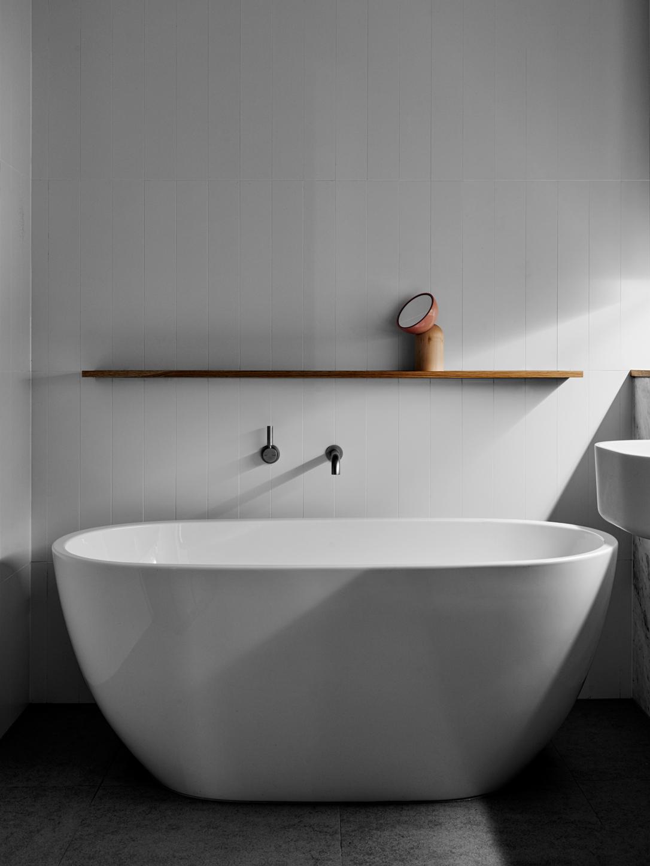 Hampton Residence – Australian Bath Tub – We Are Huntly – Interior ...