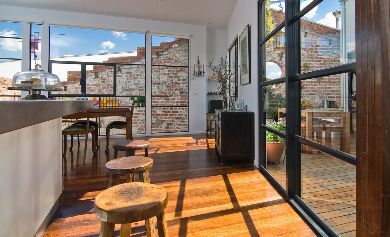 North Melbourne House - Australian Diner TImber - Fred Ganim - Interior Archive