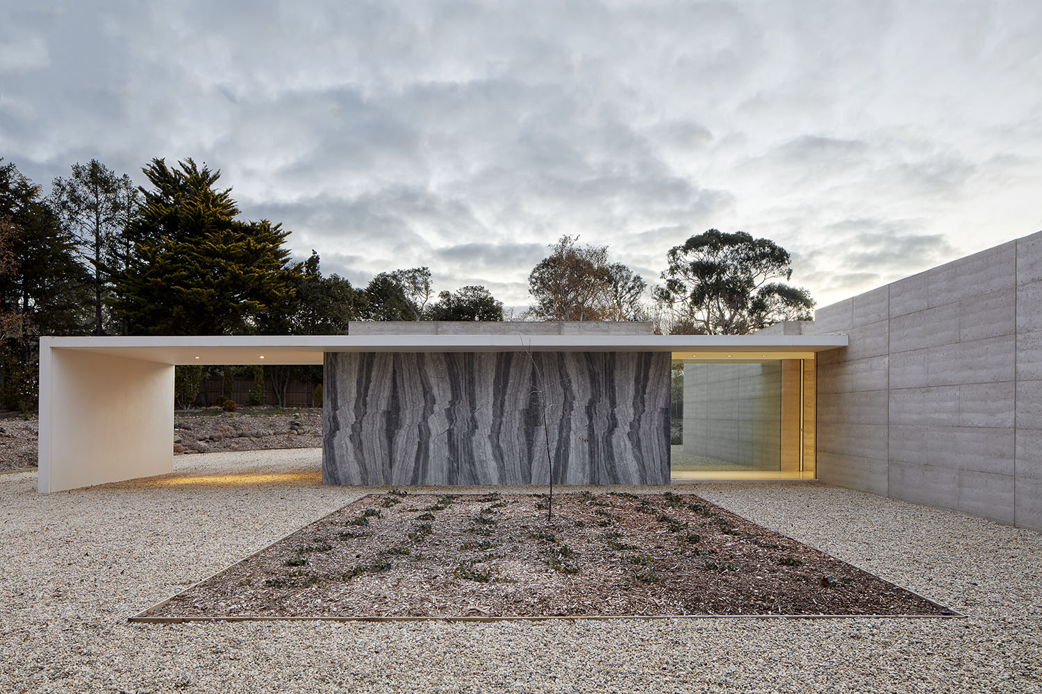 Macedon Residence by David Hicks Design - Photographed by Jack Lovel - Image 5