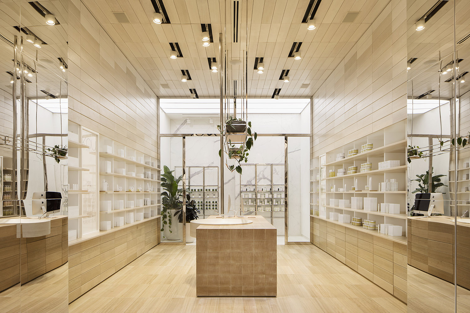 ikou Retail Store by Pinto Tuncer - Located in Eastland, VIC, Australia - Photographed by Jack Lovel - Image 3