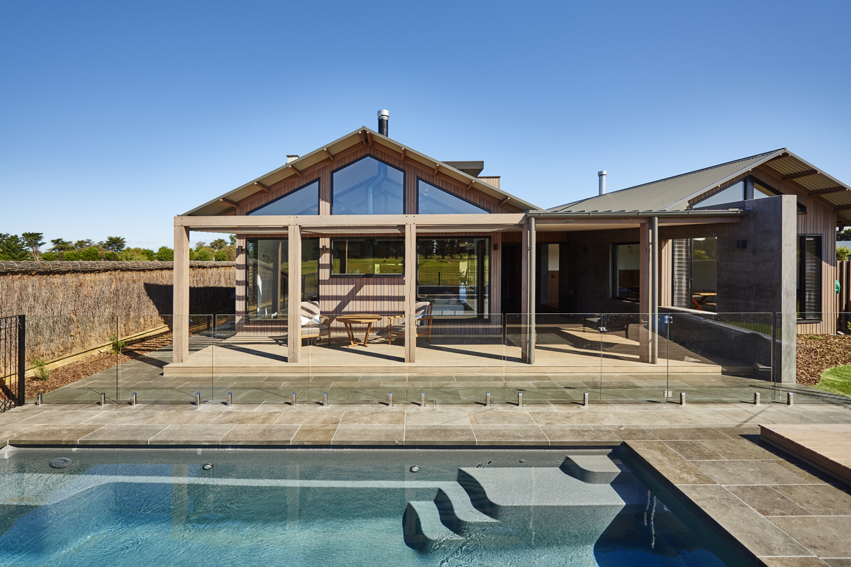 Rustic contemporary design, Fairway to Heaven by Altereco Design, Barwon heads, VIC