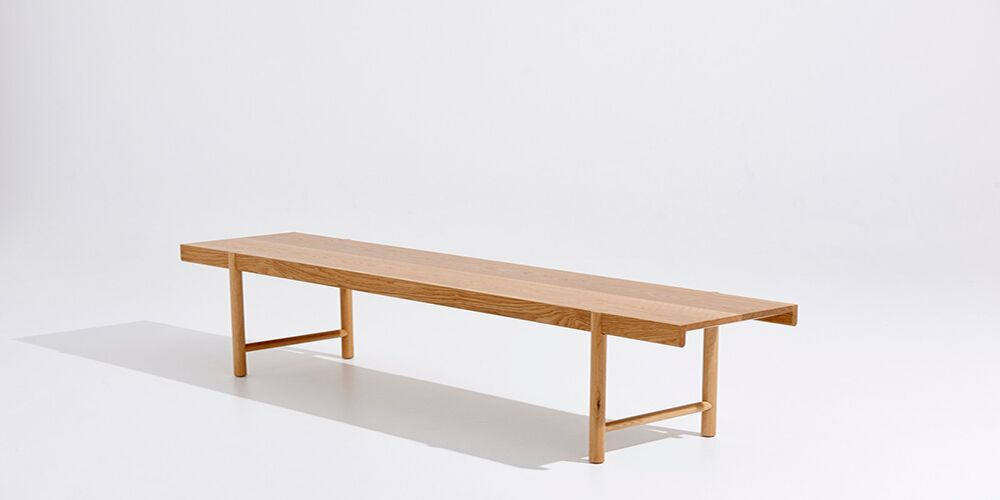 The Idle Bench Seat is outwardly light, yet very sturdy in the most effortless way.