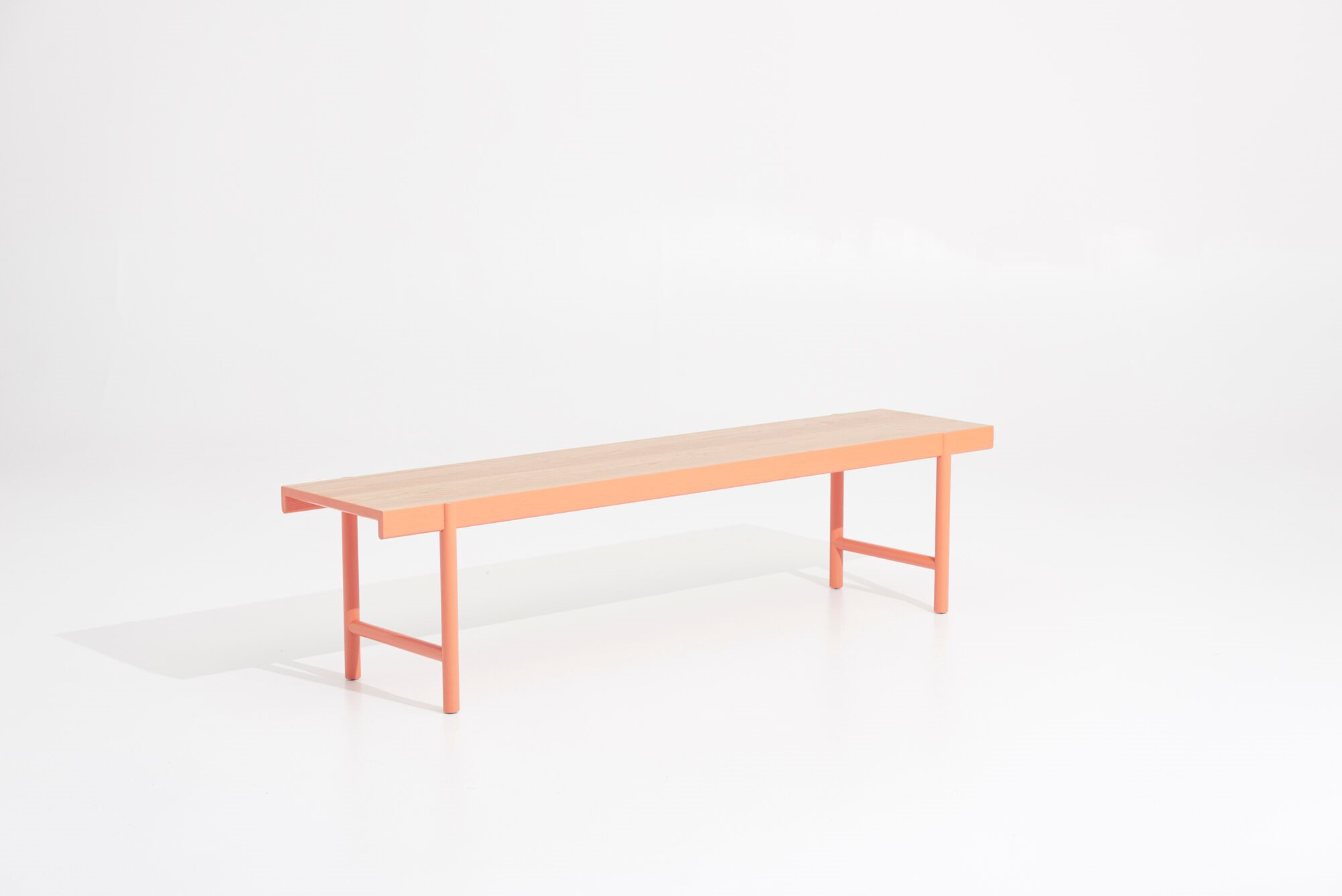 , this simplistically elegant bench seat combines a complimentary range of traditional joinery with modern appeal.