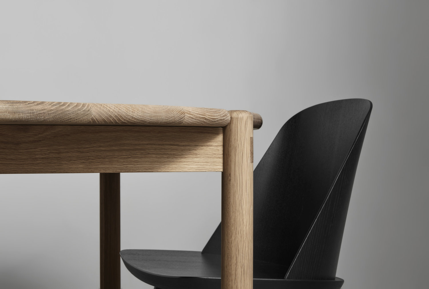 Scandinavian furniture - dining table - made by morgen