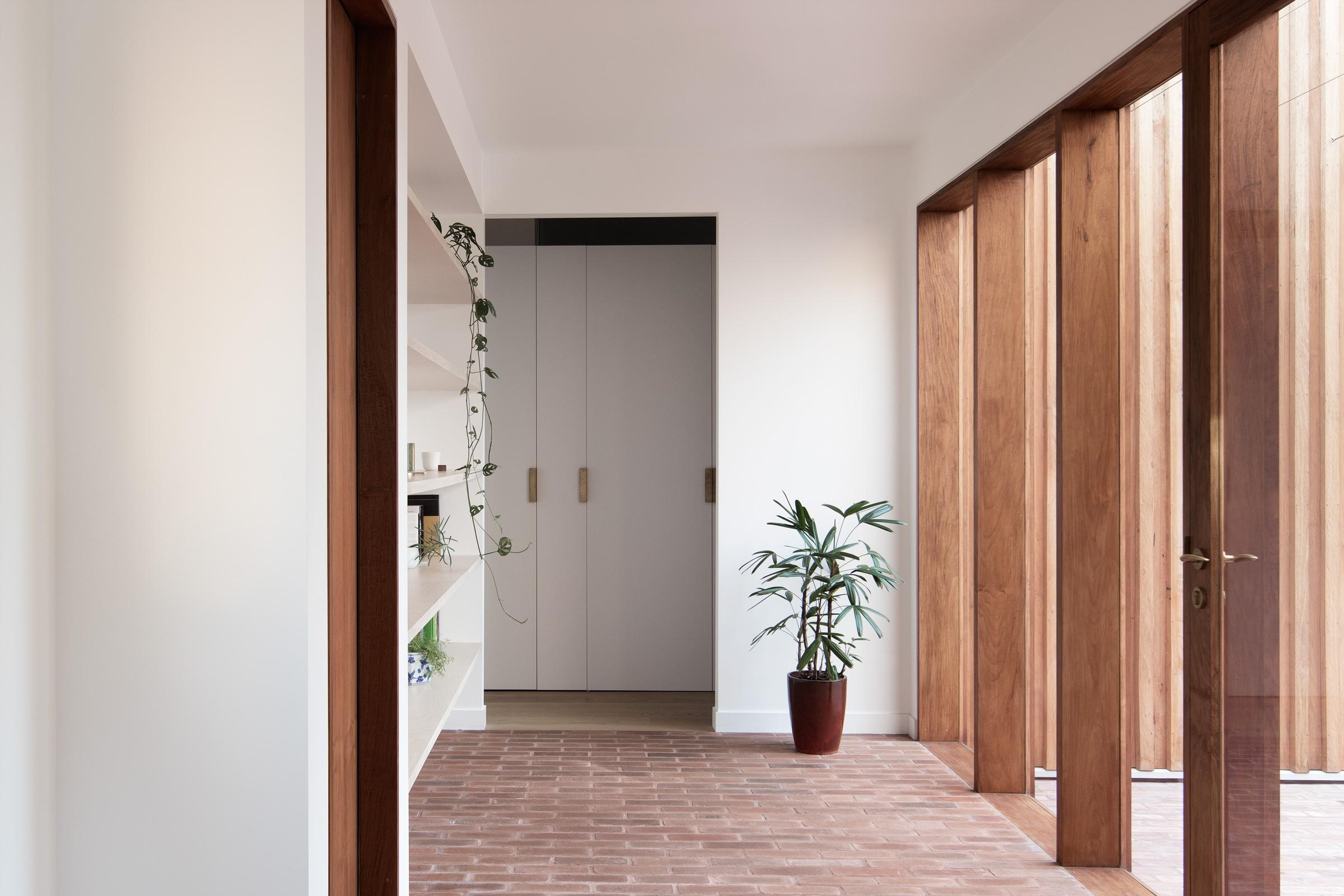 Gallery Of The Three Piece House By Trias Studio Local Australian Residential Architecture & Interiors Sydney, Nsw Image 7