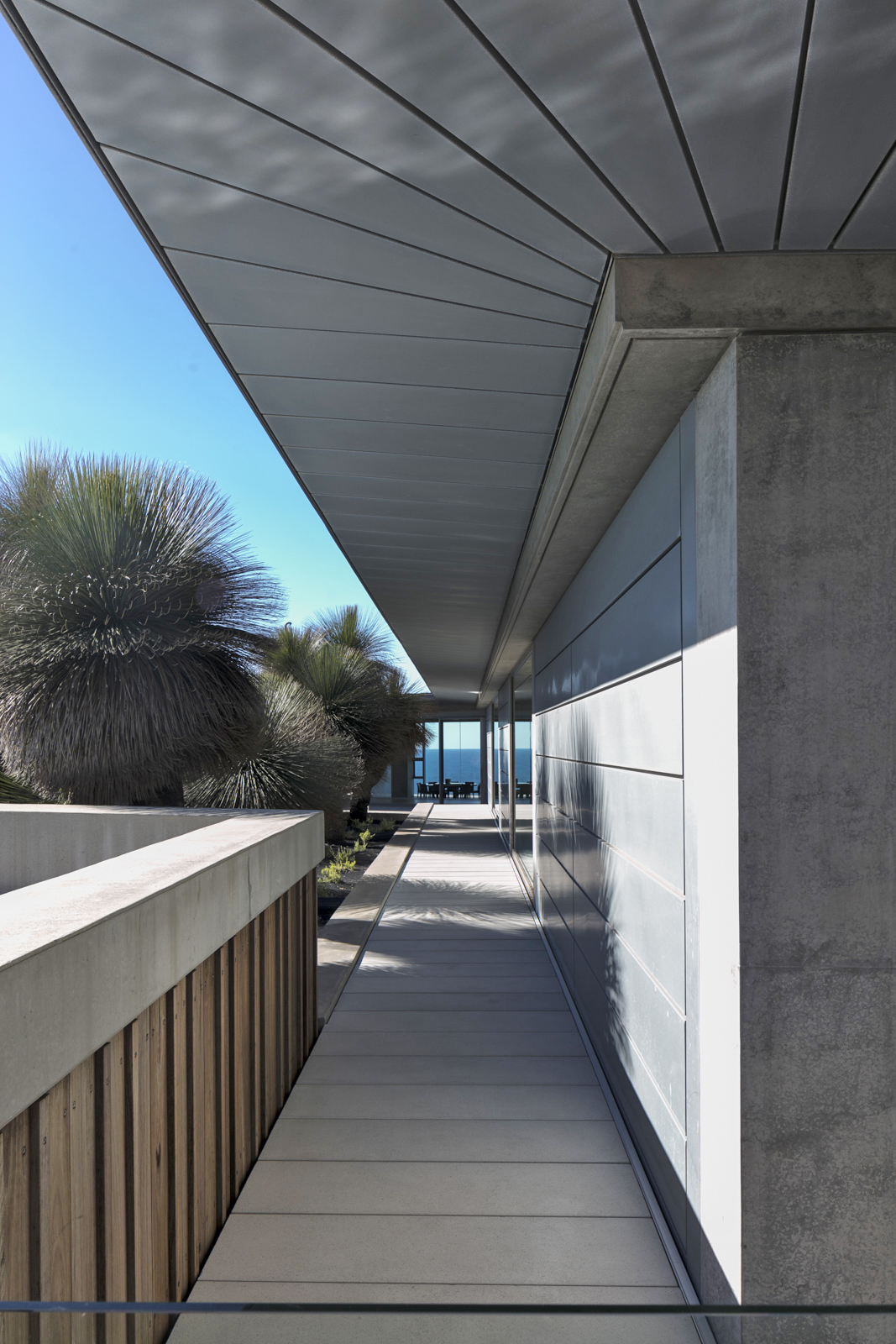 The Horizon House By Hills Thalis Local Australian Landscape Architecture & Residential Design Nsw, Australia Image 19