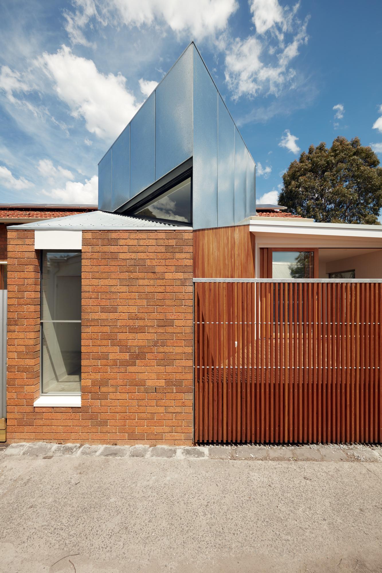 Gallery Of The Taranaki Rift By Architecture Architecture Local Australian Bespoke Innovative Residential Brunswick, Melbourne Image 14