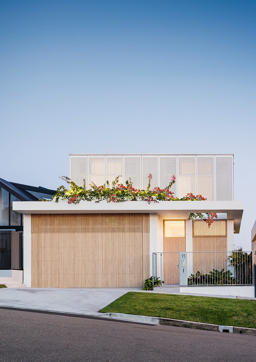 The Cooggee House Ii By Madeleine Blanchfield Architects Finds Creative Solutions To The Constraints Of Its Narrow