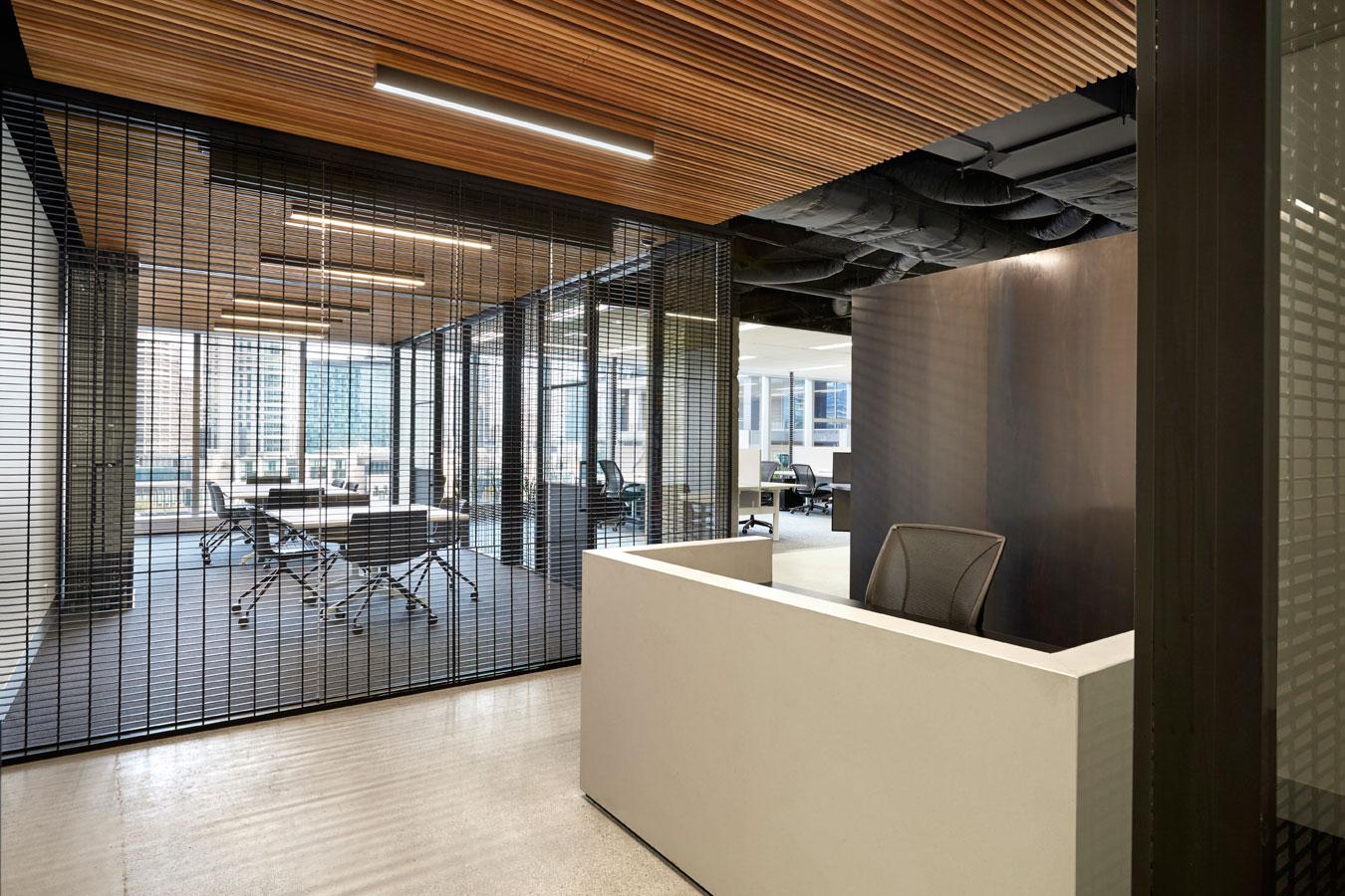 Deka immobilen office by techn architecture interior for Local interior decorators