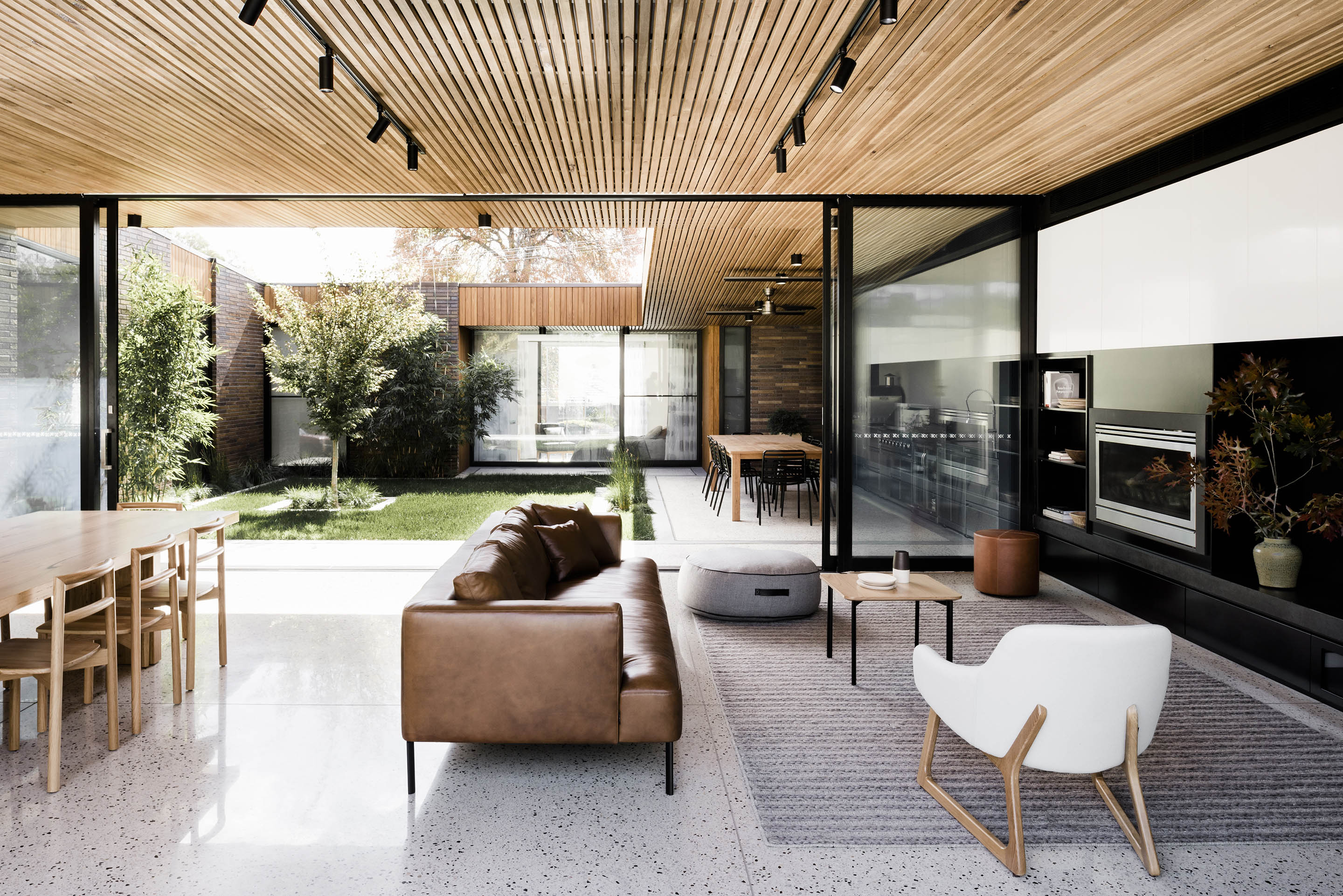Courtyard House By FIGR